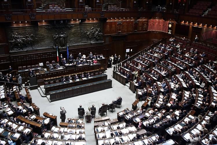 La politica italiana? Varie parti in commedia