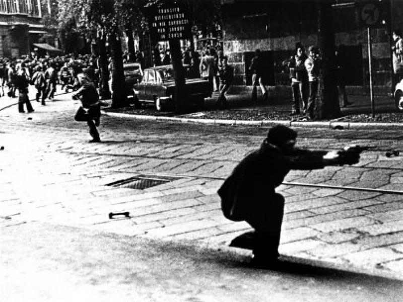 Anni 70 / Sulla faccia di Milano l'orma del terrore