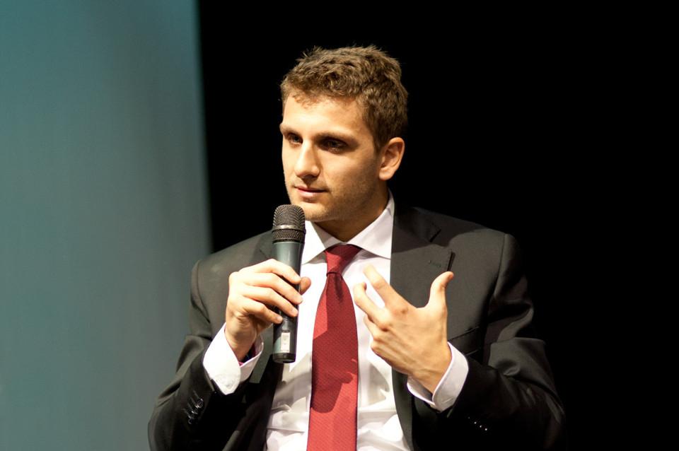 Roberto De Luca indagato per corruzione