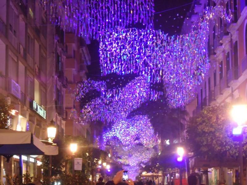 Salerno / Le ombre delle luminarie