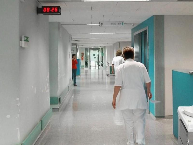 A Salerno la notte da incubo di un medico ricoverato in Nefrologia