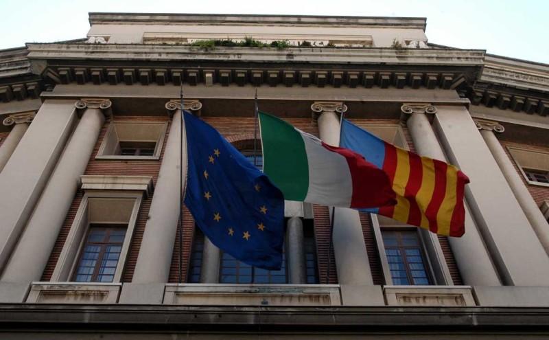 """""""Salerno di tutti"""": le istituzioni favoriscano la democrazia"""
