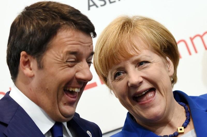 I Confronti in libreria: Renzi e l'euro, due spine sulla testa dell'Italia?