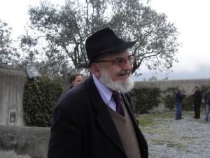 Il poeta e critico Rino Mele