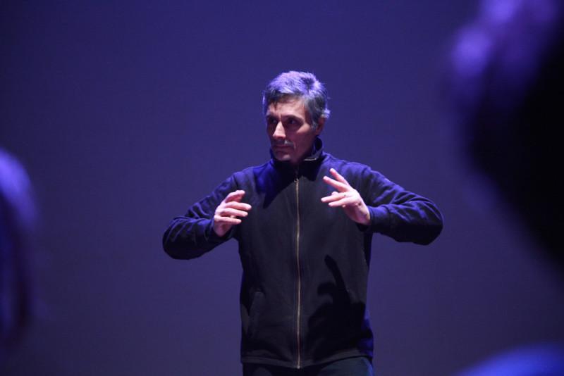 Il piccolo grande miracolo della libertà del teatro