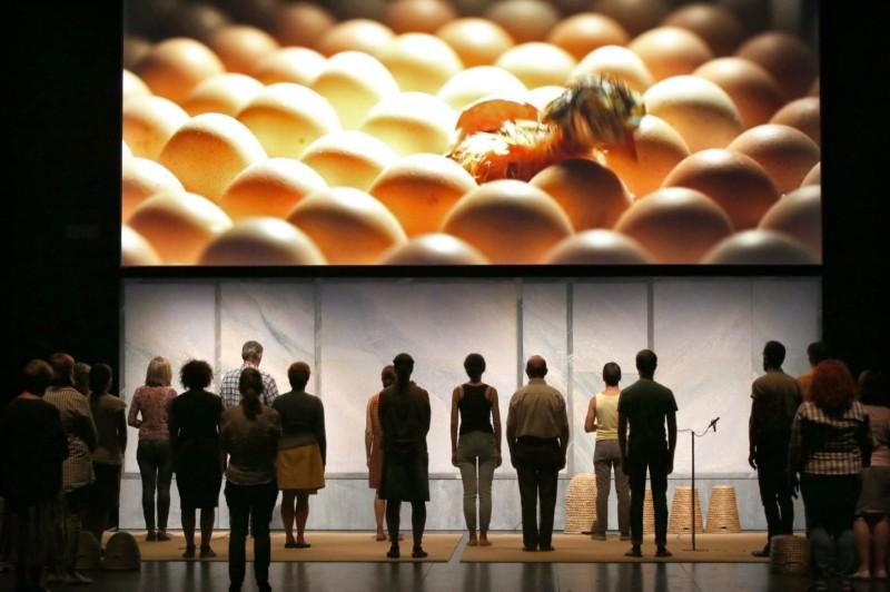 A teatro tornano a parlare i corpi (ma non soltanto)