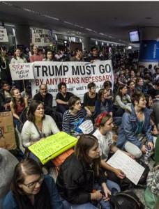 TrumpProtesta