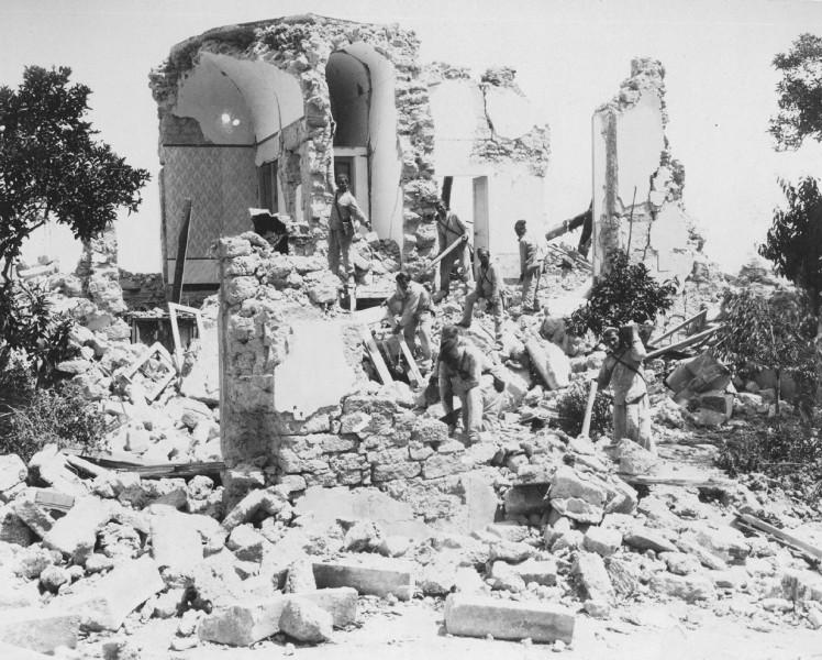 Terremoto Ischia, colpita l'isola vulcanica: tutta la verità sul monte Epomeo che dopo la scossa di stanotte fa tanta paura