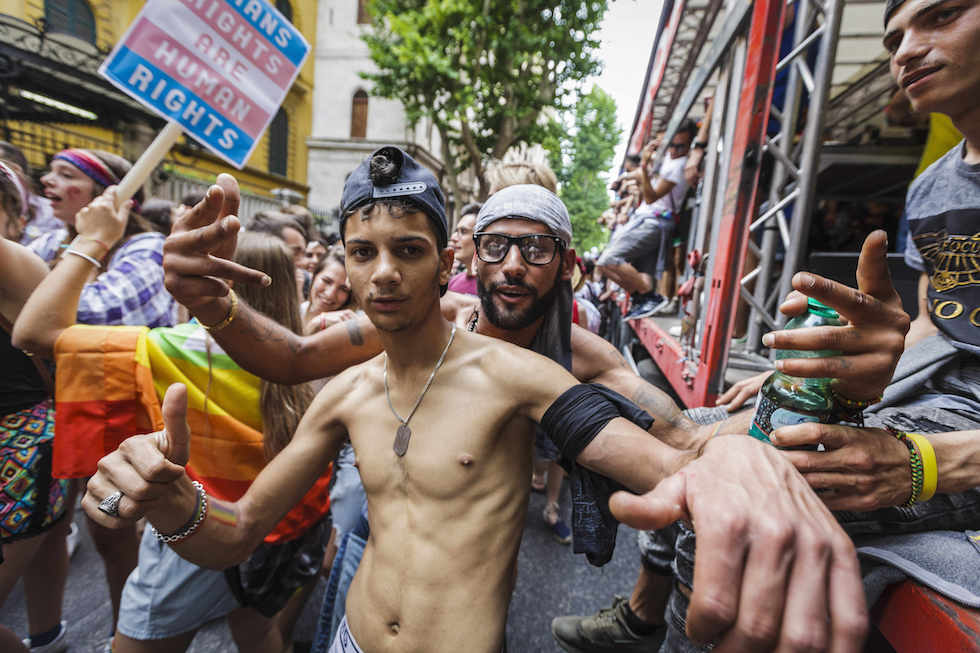 Gay Pride, la disarmata festa variopinta dell'inclusione