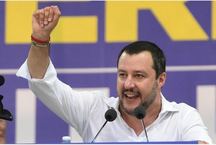Caro Salvini, la politica non è un coup de theatre